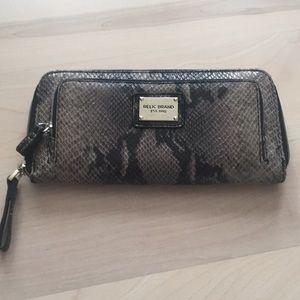 Faux snake skin wallet (new)